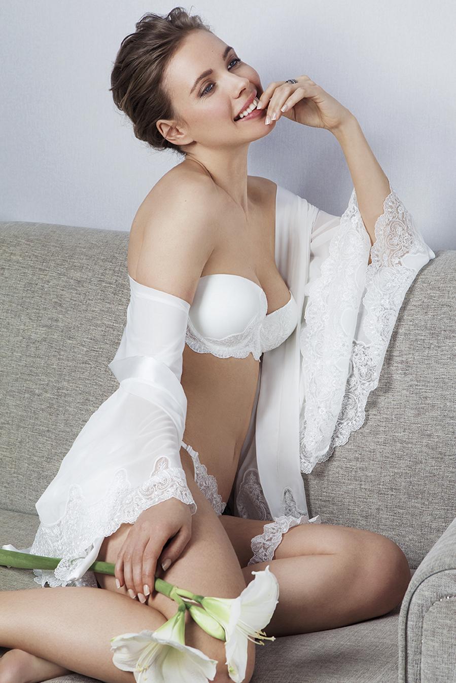 conjunto sujetador y braguita con kimono